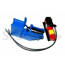 Sawplate straightner with pedal